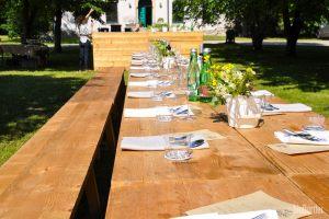 Tafel und Feldküche